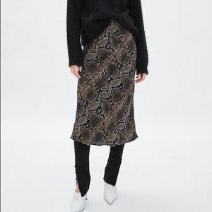 Zara trf collection snake skin skirt medium
